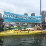 Made waves with our message, @JustinTrudeau say no to Kinder Morgan! @GreenpeaceCA #stopkm #RoyalVisitCanada https://t.co/297WbovPko