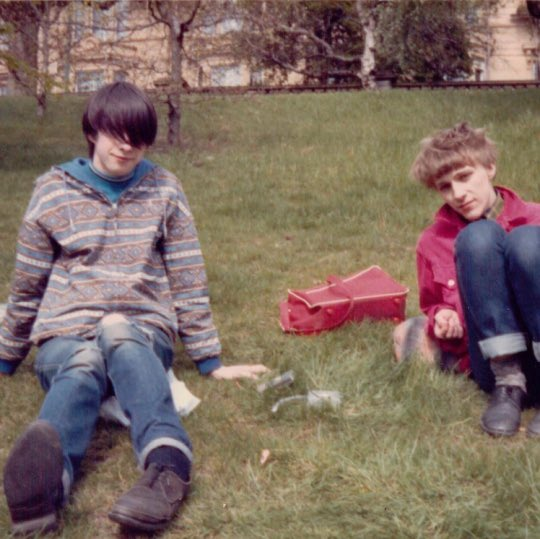 Bobby Gillespie and Stephen Pastel, Glasgow, 1985 https://t.co/BbsoZhb0ea
