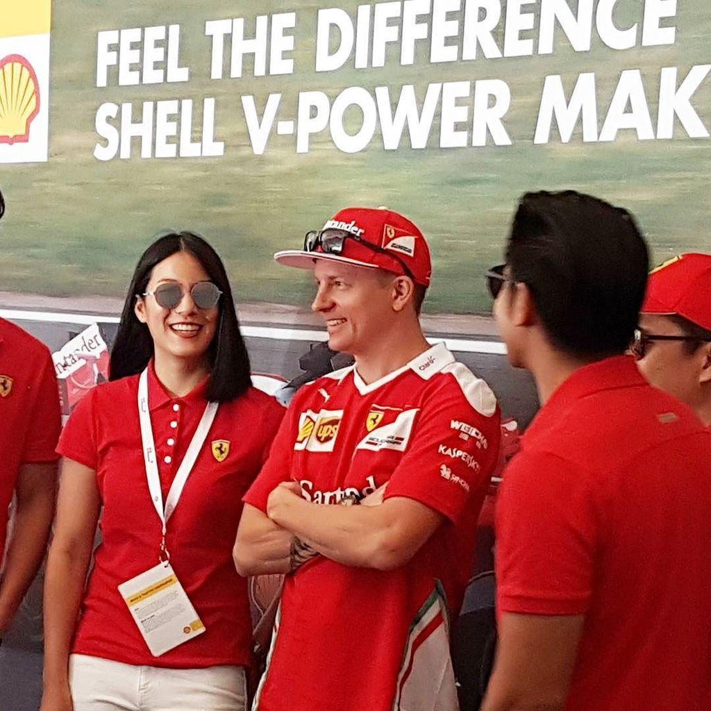 A rare smile from the Iceman. #kimiraikonnen #shell #vpower #formula1 #f1 #ferrari https://t.co/1laFkUiuix https://t.co/iJgykQpm0R