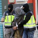 Detienen en Barcelona y Melilla a tres presuntos miembros del Estado Islámico. https://t.co/Y9V2Pce8up https://t.co/3UN2jy5tve