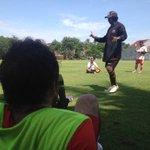 Latihan persiapan jelang keberangkatan tim ke Solo Jumat (30/9) besok pagi #Persija https://t.co/O4ecid51Fl
