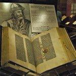 30 сентября 1452 г. в Майнце Иоганном Гутенбергом напечатана первая книга — Библия @LitFlagman https://t.co/AmK8OKu5g4