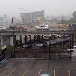 @nexnoticias Fuerte lluvia impide que transeúntes crucen la calle bajo el Puente Martín Sosa. https://t.co/VIHImeBeIJ