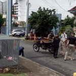 @nexnoticias Uno de los asaltantes de la casa,Santa Elena fue aprehendido cerca del Parque Omar.Linces lo custodian https://t.co/sy6v5rdW0h