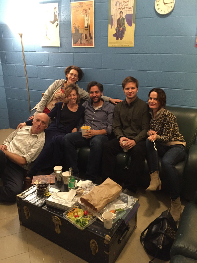 HAPPY CAST! @LCTheater @reasereaser @JoshRadnor @maddiecorman #frankwood #randygraff #michaeloberholtzer https://t.co/xDA5WCrKg8
