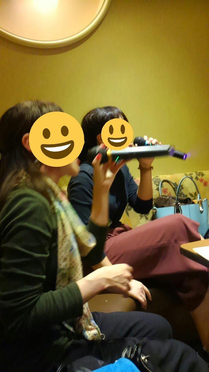 モブサイコのOPを歌うまにの激しさが最高にロック過ぎる件。奥はあやちゃん。