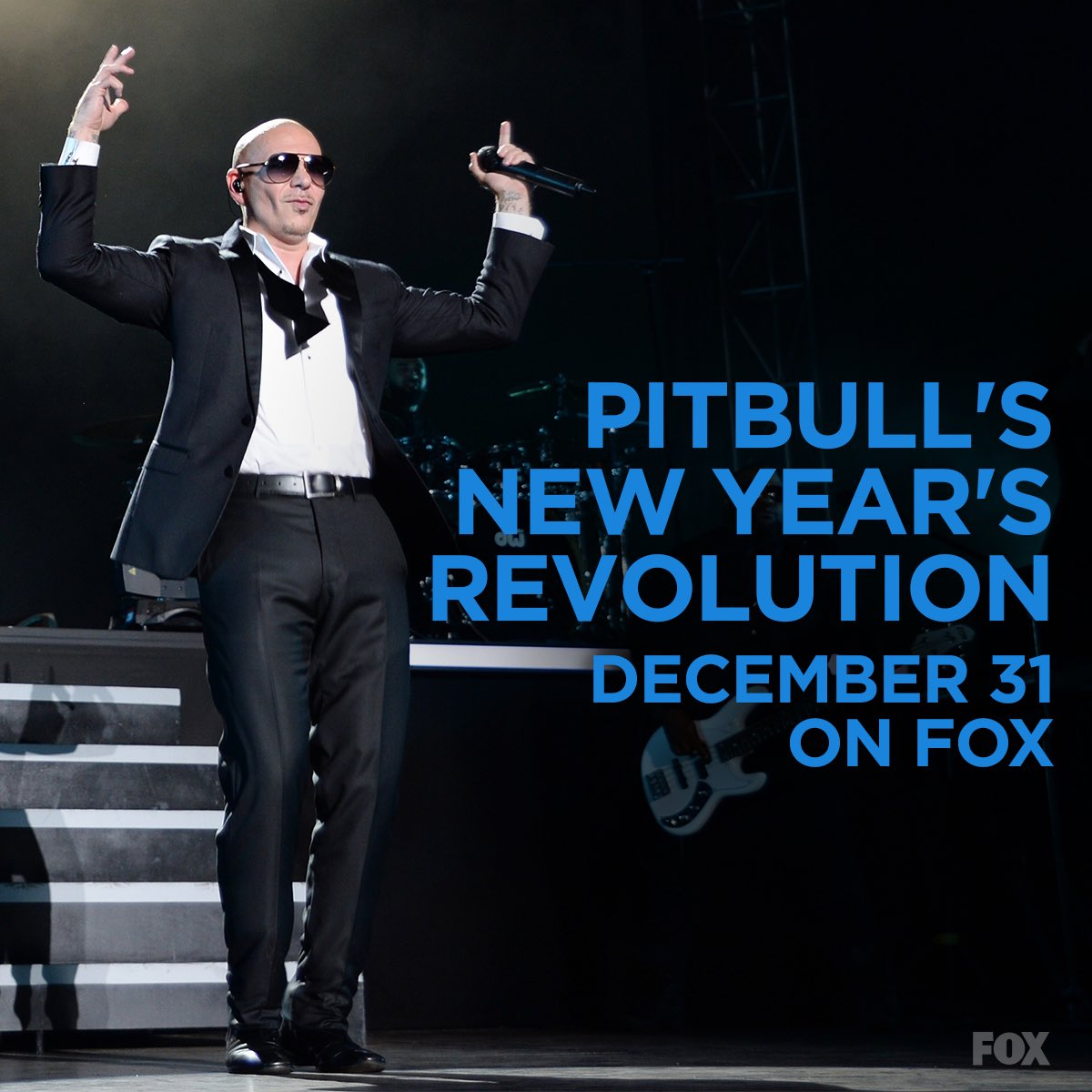 Going BIG for #PitbullNYE 2016. Who should party with me in Miami? https://t.co/NW604bpMdh
