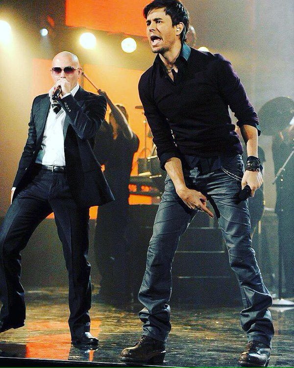 #TBT @enriqueiglesias always ready to tear it up @LatinGRAMMYs https://t.co/knNrGU8FwH
