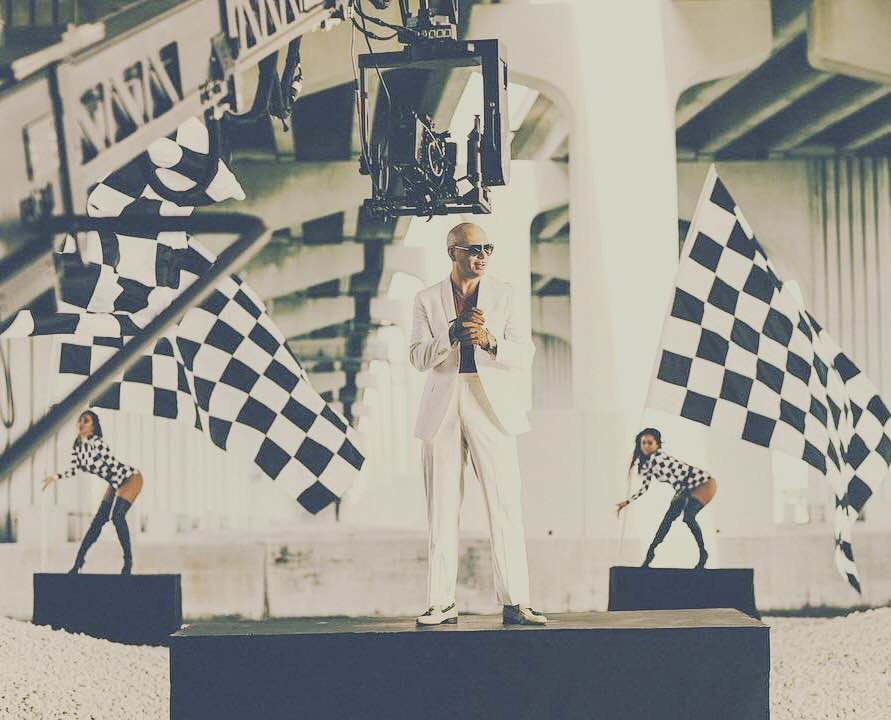 Let's make this larger than life #PitbullAtF1 #AbuDhabiGP #Greenlight #Dale https://t.co/6tQ6TIjvCq