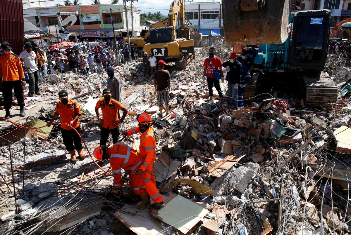 Search for survivors of Indonesia earthquake continues as death toll passes 100
