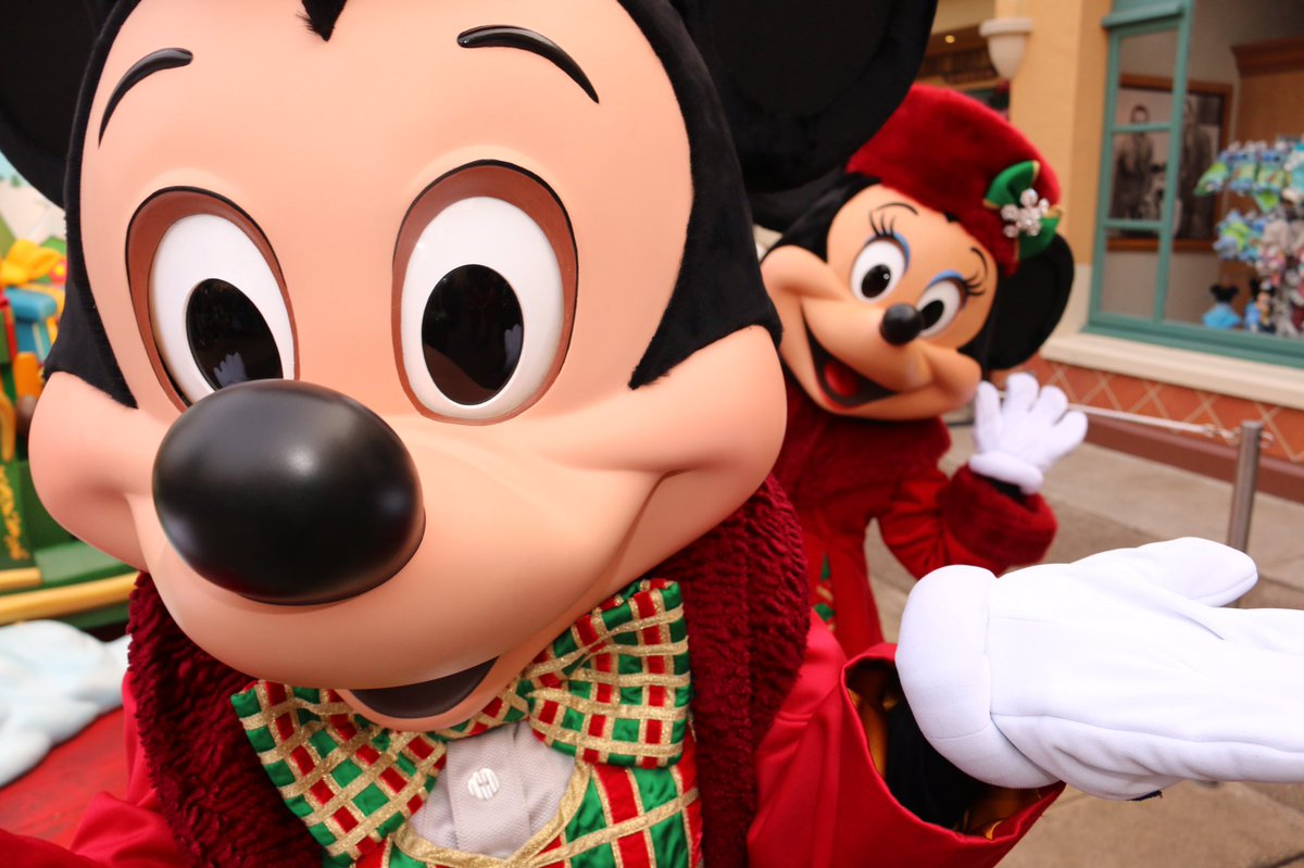 DisneylandParis, disneylandparis, disney, love, disneylandparis, SELFIE, MinnieMouse, photobombs, MickeyMouse, DisneylandParis