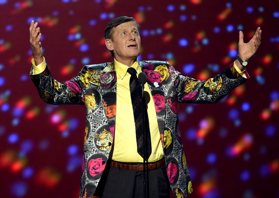 Craig Sager, TV sports reporter known for colorful wardrobe, dies at 65