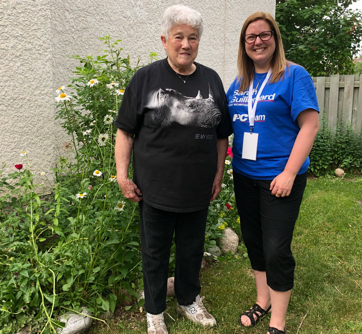 test Twitter Media - A wonderful night door knocking with my energetic team!  Ruth showed me her amazing garden with beautiful Daisies—she encouraged me to take the time to stop & smell the flowers! #mbpoli https://t.co/xqM10REvgx