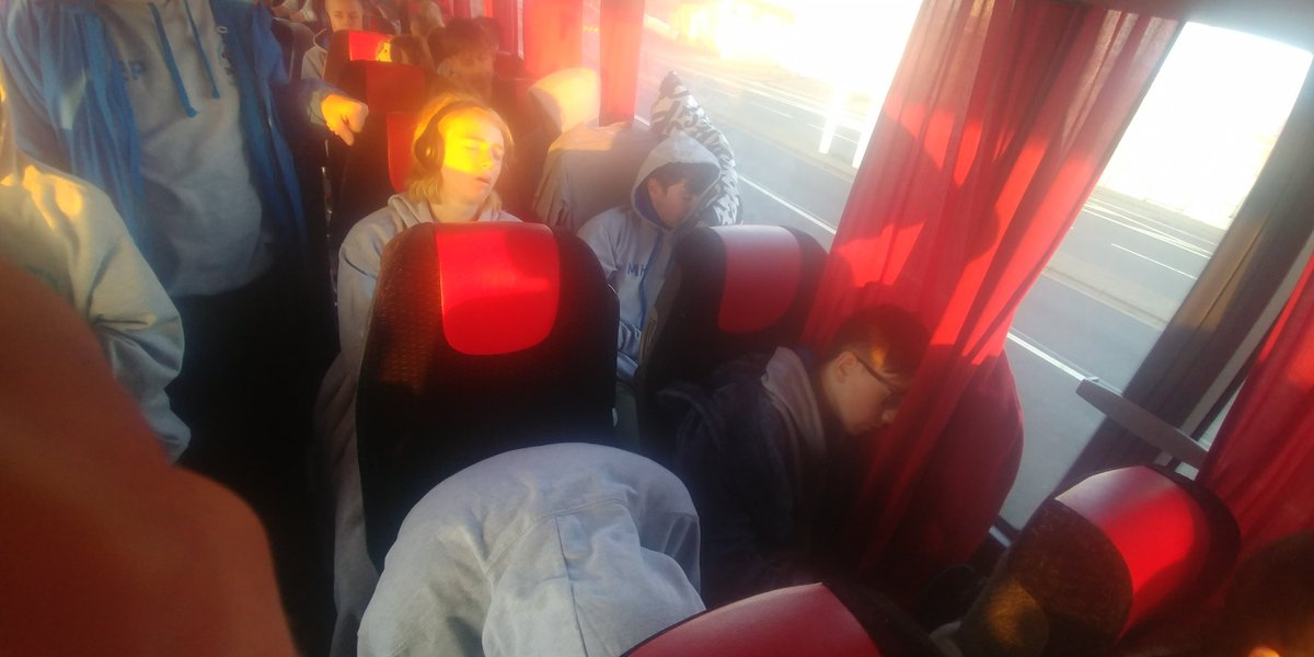 test Twitter Media - 4 guys and 2 girls struggling to stay away at Calais 💤⛴️ https://t.co/xjva0231bu