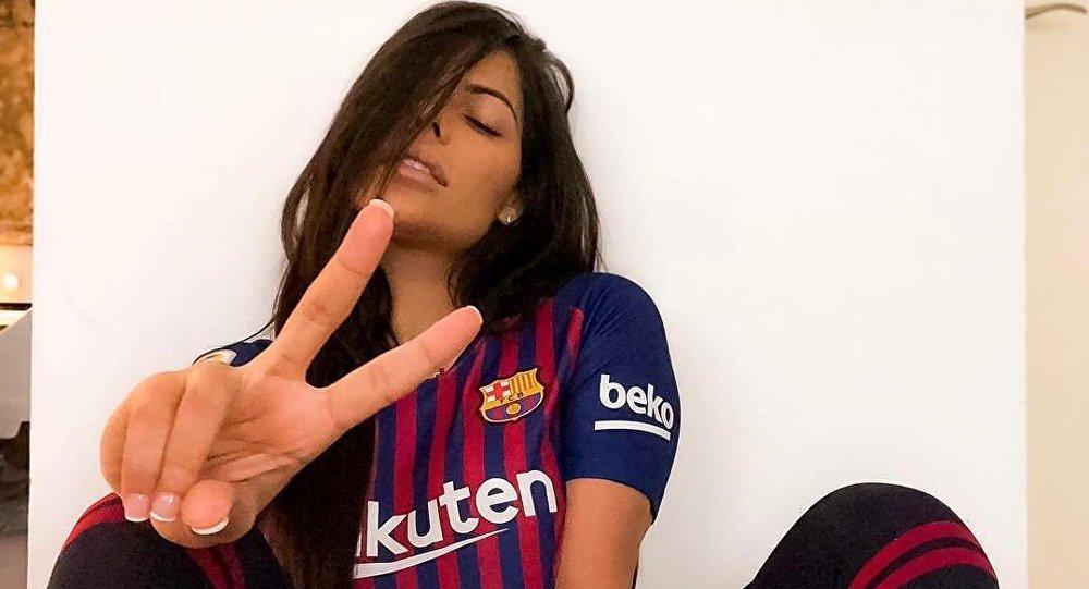RT @SputnikInt: Miss BumBum posts sexy sporty photoshoot rooting for @FCBarcelona https://t.co/WtsZdisLYW https://t.co/KxM9jXTUzQ