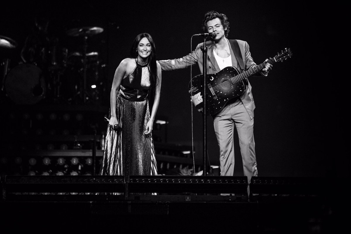 RT @HSHQ: Harry & @KaceyMusgraves #StillTheOne #iHeartAwards #BestCoverSong RT & vote now at https://t.co/4X0WrhmTjz https://t.co/hyjJPkNQDb