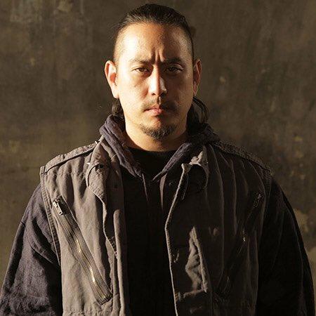 I d like to wish a happy 42nd birthday to Joe Hahn, DJ for Linkin Park!