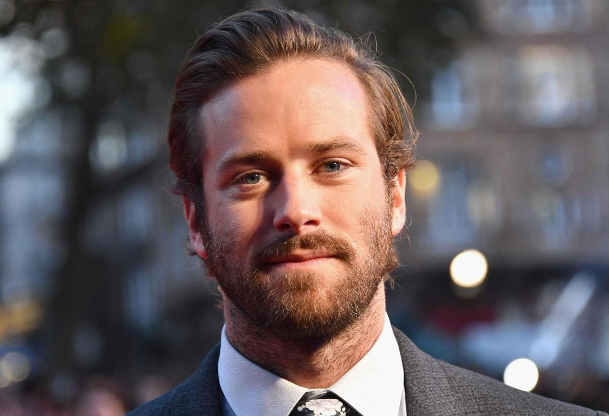 RT @Independent: Armie Hammer reveals he wants to be the next Batman https://t.co/TDua7ykMzD https://t.co/u0QlED0IMl