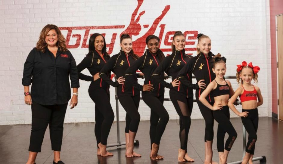 One of my longest fav show @DanceMoms  @abbey_lee_miller is back???????????? https://t.co/EOOKG7whkC