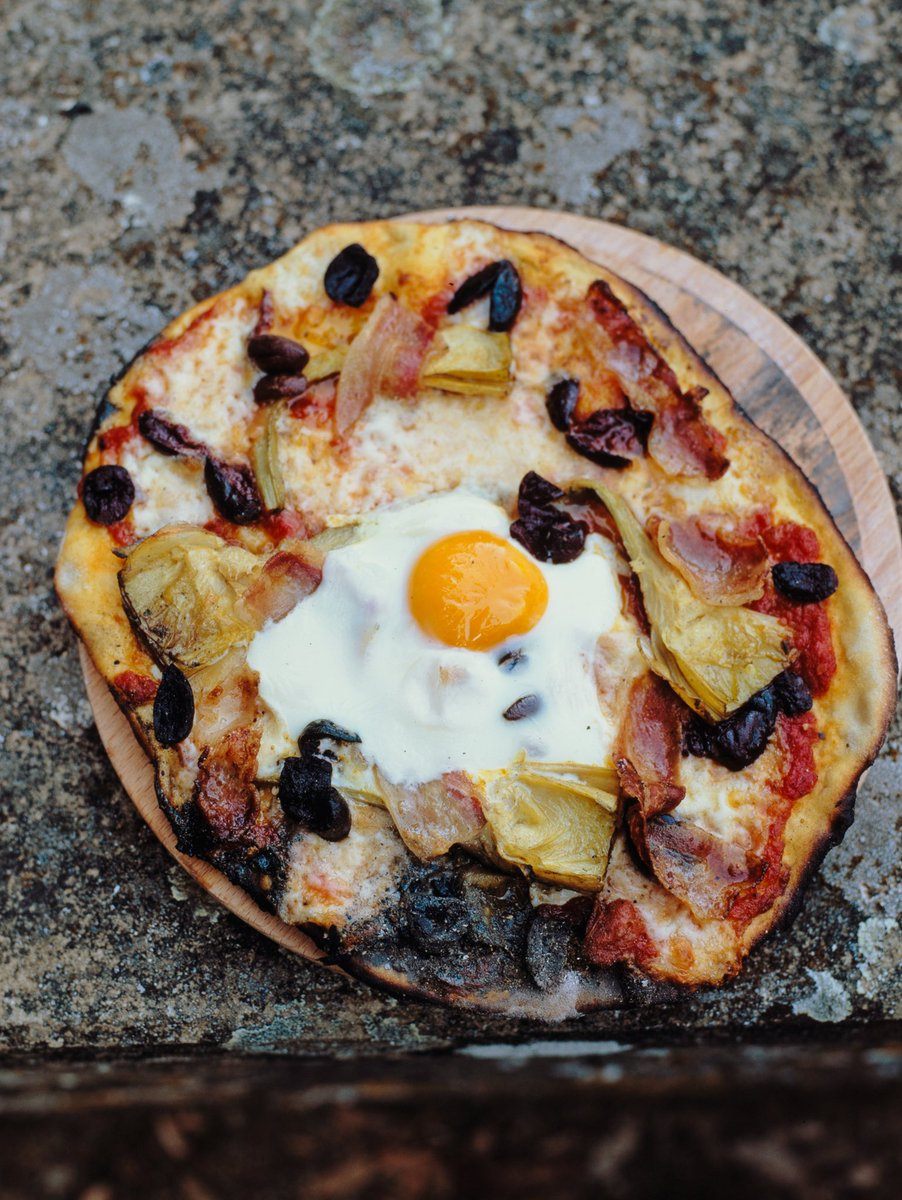 Egg on a pizza? Don't knock it till you try it! Tastes as good as it looks ???? https://t.co/Sp3YLDsfRf https://t.co/tAocvhjmD9