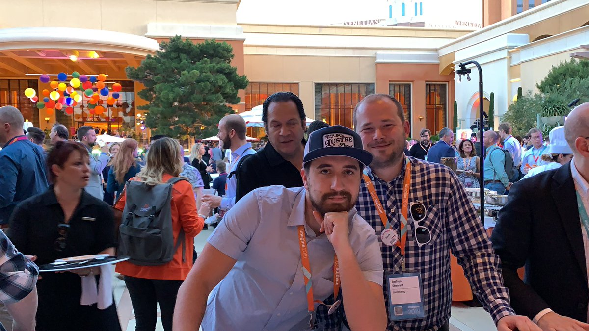 wsadaniel: Good food and strange silverware at the #MagentoImagine Opening Night Networking Party https://t.co/5is5wDUyhp