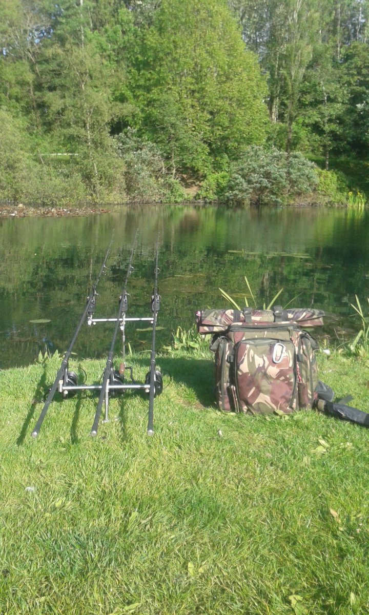 Sun's out,gun's out!!!  #Thewelshcarpangler #fishing #carpfishing #carpfishinguk #shimano #Camo #wai