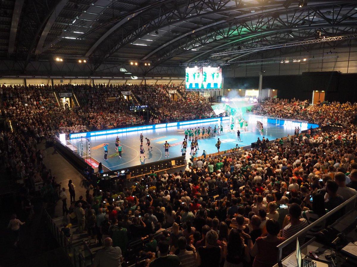 +++LIVE+++ Das letzte Spiel der Saison gegen die @RNLoewen beginnt!#DHfKRNL https://t.co/UqNh1HDk6W