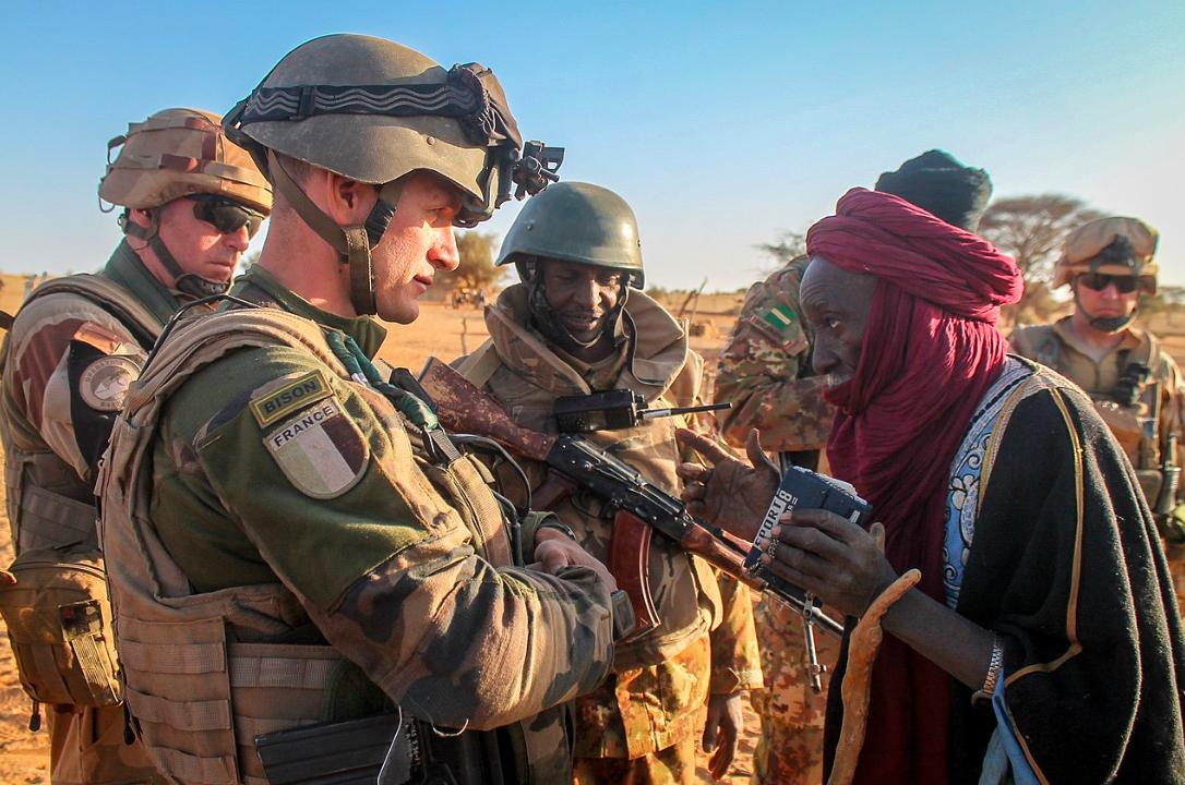 test Twitter Media - What do Malians want for their country? And what is packed into the new #UN mandate on the peacekeeping mission there? Our report: https://t.co/JTxwWlNb89 #Mali @fesnewyork #UNSC @allafrica @sahelien_com @joepenney #Barkhane #IBK https://t.co/j9sQ3D4Zhr