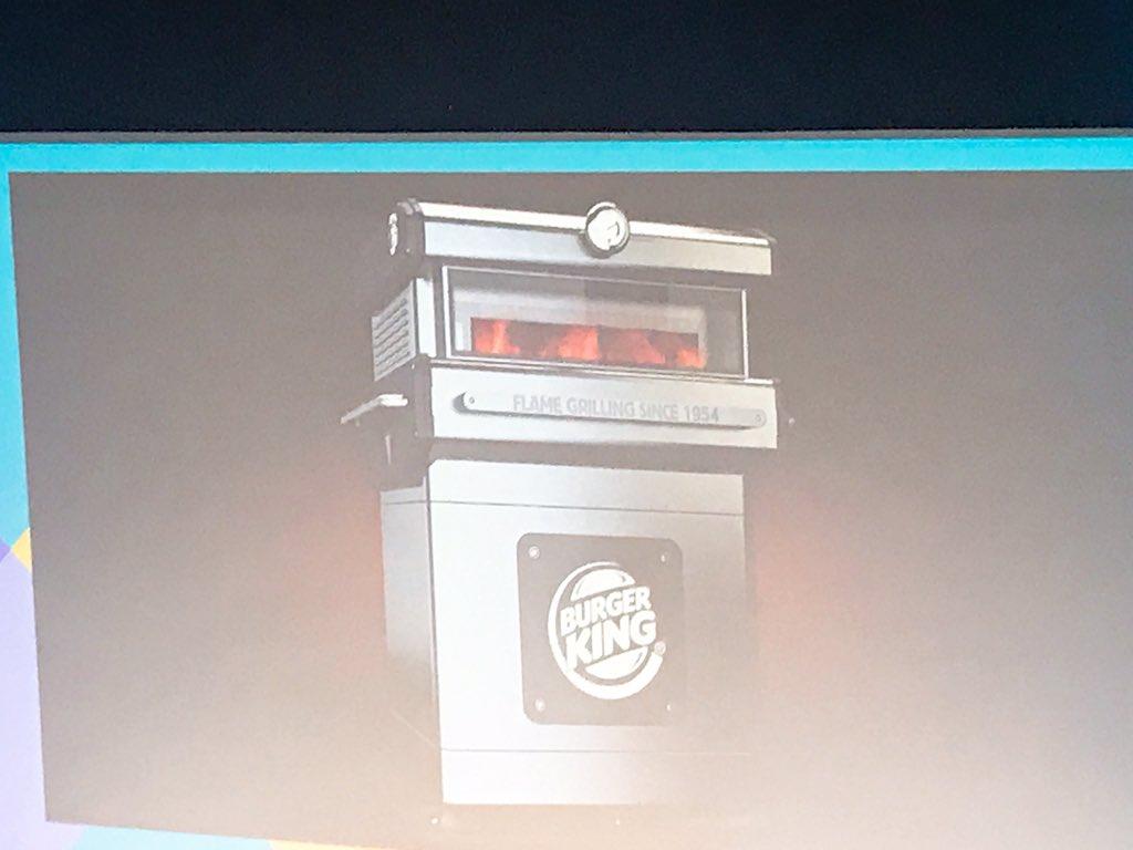 test ツイッターメディア - バーガーキングのバーガーは、競合と違ってちゃんとしたフレイムグリル(火で焼いている)のがあまり知られていない。そこで、このようなブロイラーを導入した。最新のマシンです。(カッコいいね👍リアルなブツって、強いマーケティング) https://t.co/hpaHg29i1c