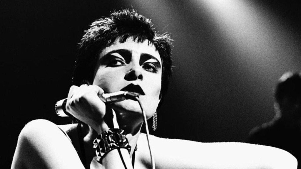 Happy 60th birthday to you Siouxsie Sioux. 🖤 My eternal muse.