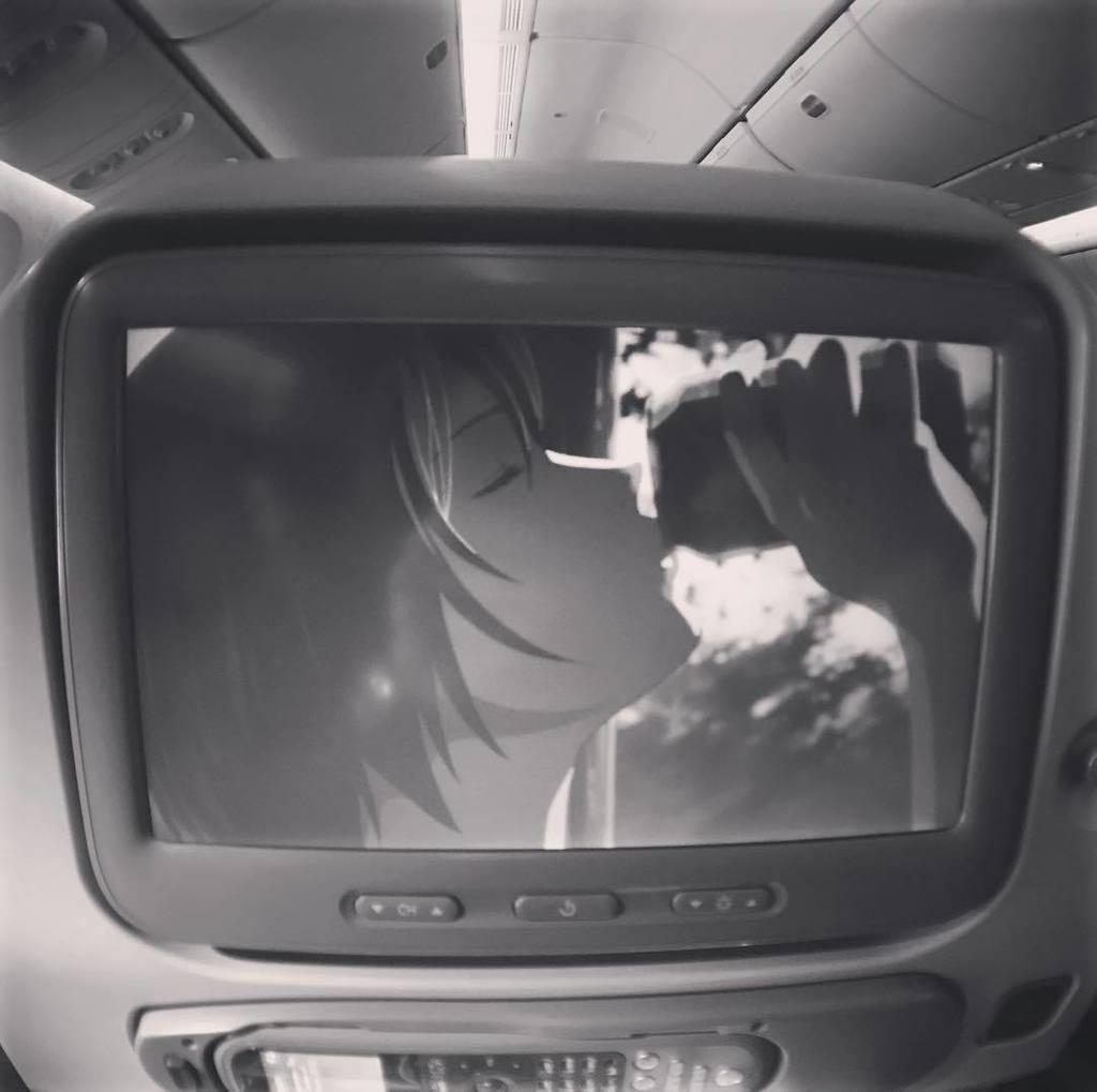 エミレーツ航空の機内エンターテイメントで「言の葉の庭」を観て甘酸っぱい気持ちになってる。秦基博のRainが聴きたかっただ