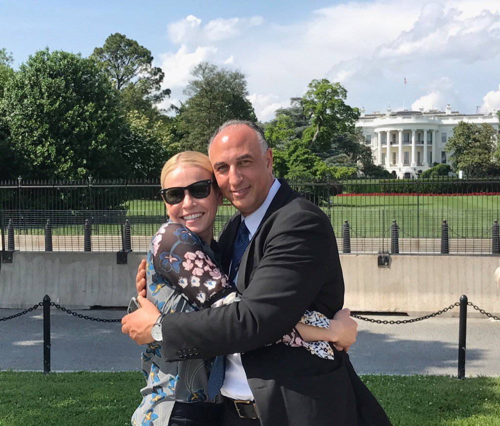 Whenever I'm in DC I like to hug an immigrant in front of the White House to remind people that we love them. https://t.co/pJbUOEyaf7