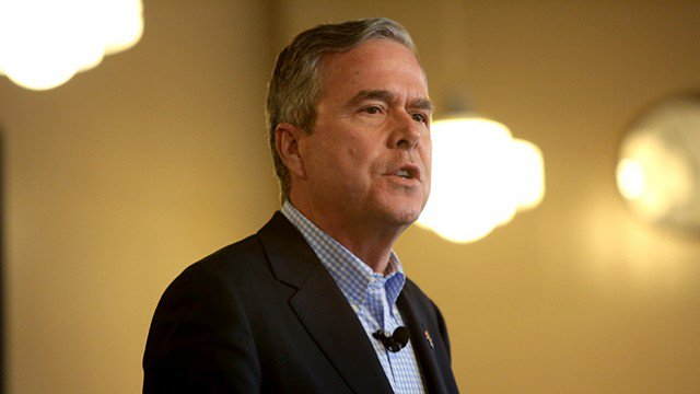 Jeb Bush: I told you Trump would be a 'chaos president' https://t.co/RPEhvEm9xd https://t.co/LO6YaIcxvk