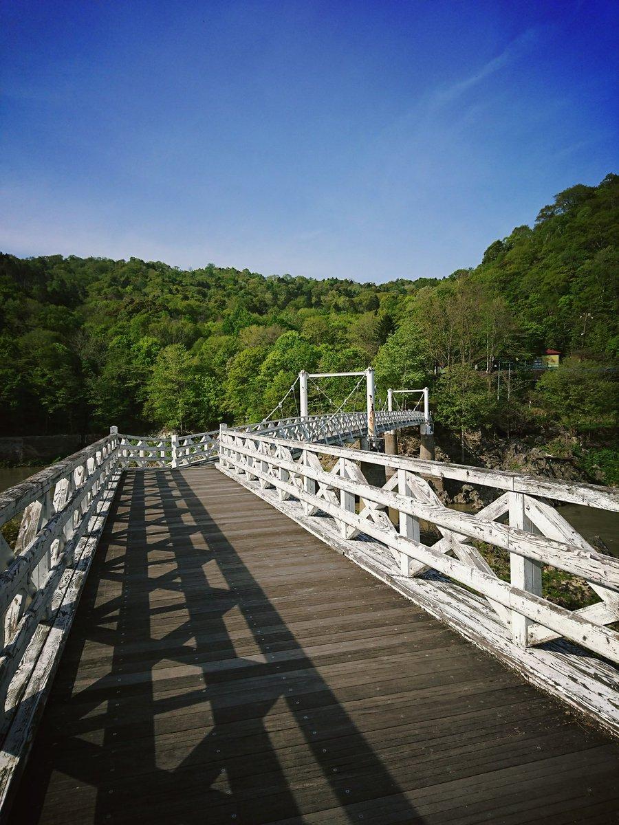 増毛からの帰り道、ふと思い立って神居古潭に行ってみましたうしおととらの漫画に出てくる吊り橋や、今はサイクリングロードにな