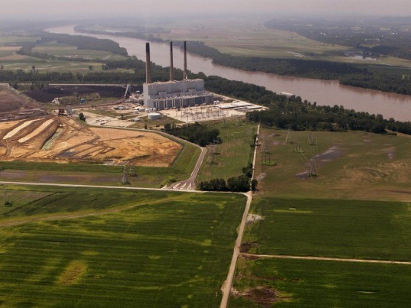 Floods raise concern about coal ash disposal along Mississippi, Missouri rivers