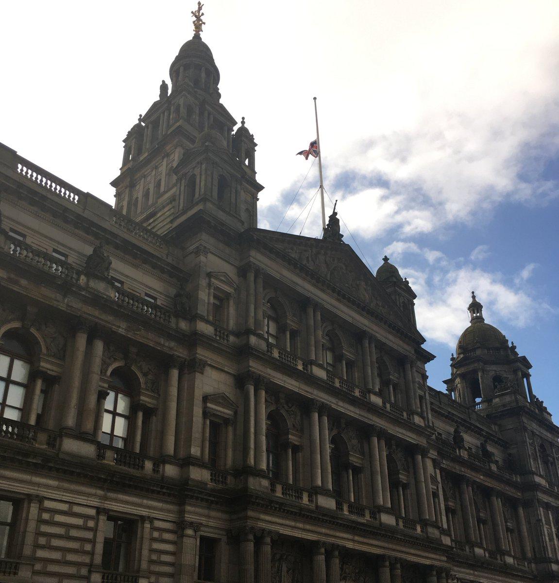 RT @GlasgowCC: Glasgow Sends Heartfelt Sympathies to the People of Manchester https://t.co/A3pP6QJ1ld https://t.co/eYX0k4qKkN