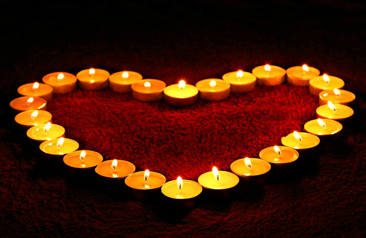 RT @srjudithl: Thoughts and prayers for all those affected in  #Manchester https://t.co/baRMu1twVF