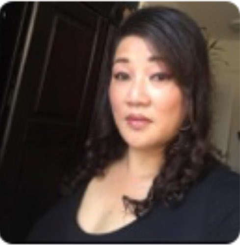Rofl I just discovered my mom's social media avatar...wtf?!😨🙄😝 Asian BBW cougar alert 🚨...dude...that's