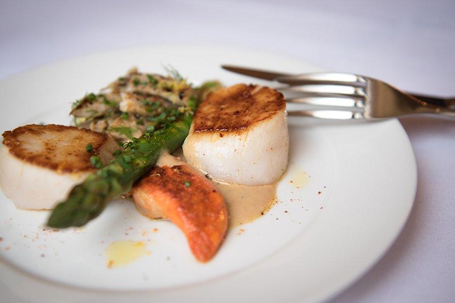 RT @FTMag: Restaurant review: Le Roi Fou in Edinburgh https://t.co/NZl5nw0bIL https://t.co/fW4zlJpOPp