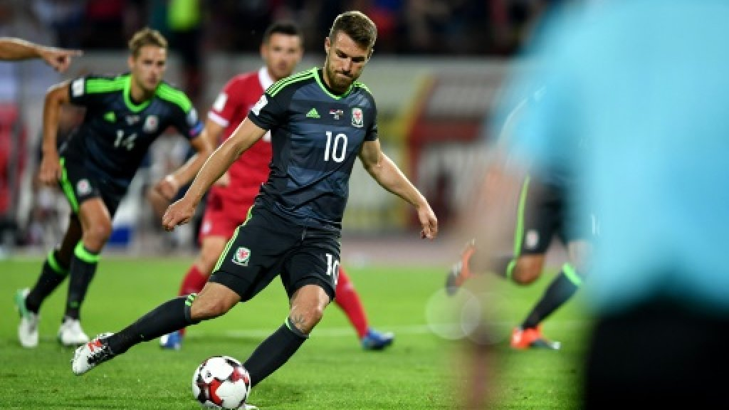 Wales draw as Spain, Italy stay neck and neck in World Cup qualifying