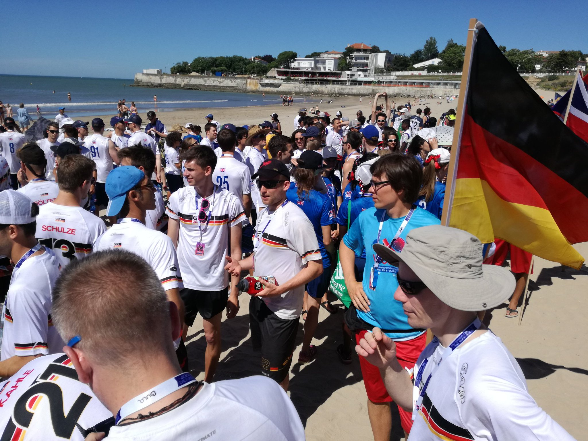 Es geht los! #WCBU2017 #Germany #grdm #ger https://t.co/ebTLHcOsyx <a href='https://twitter.com/MB_insenglische/status/876374409770127361/photo/1' target='_blank'>See original »</a>