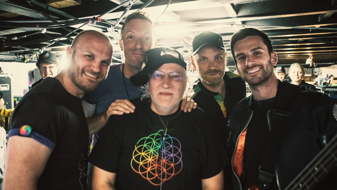 Check out R42's #ColdplayWarsaw blog - and upload your photos from the show… https://t.co/v5KFGuYdbt A https://t.co/GyCad4alVB