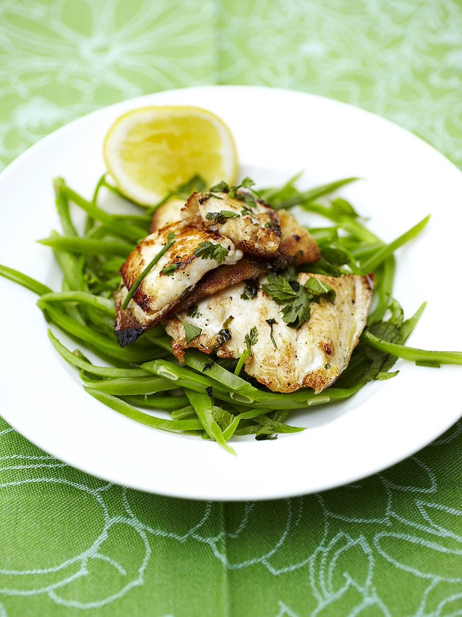 Keep it light and simple tonight with this zesty lemon sole and runner beans dish. https://t.co/zHveNdvUNJ https://t.co/QGEiWgmVlJ