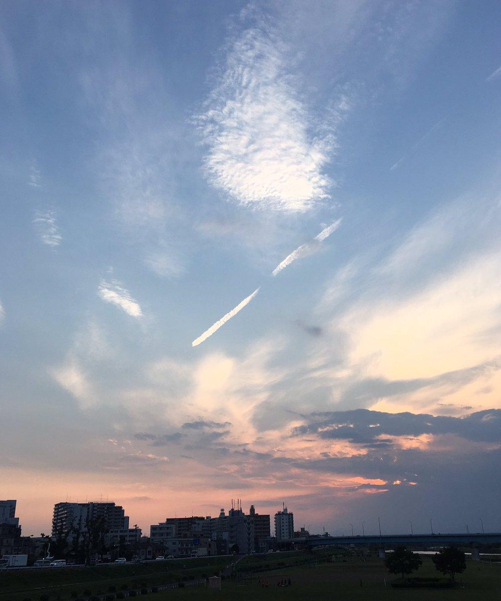 二子橋から見た夕空の「君の名は。」感がすごかった。