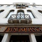Exclusive: Investment funds offered to invest in Italy's Veneto banks three weeks ago - sources