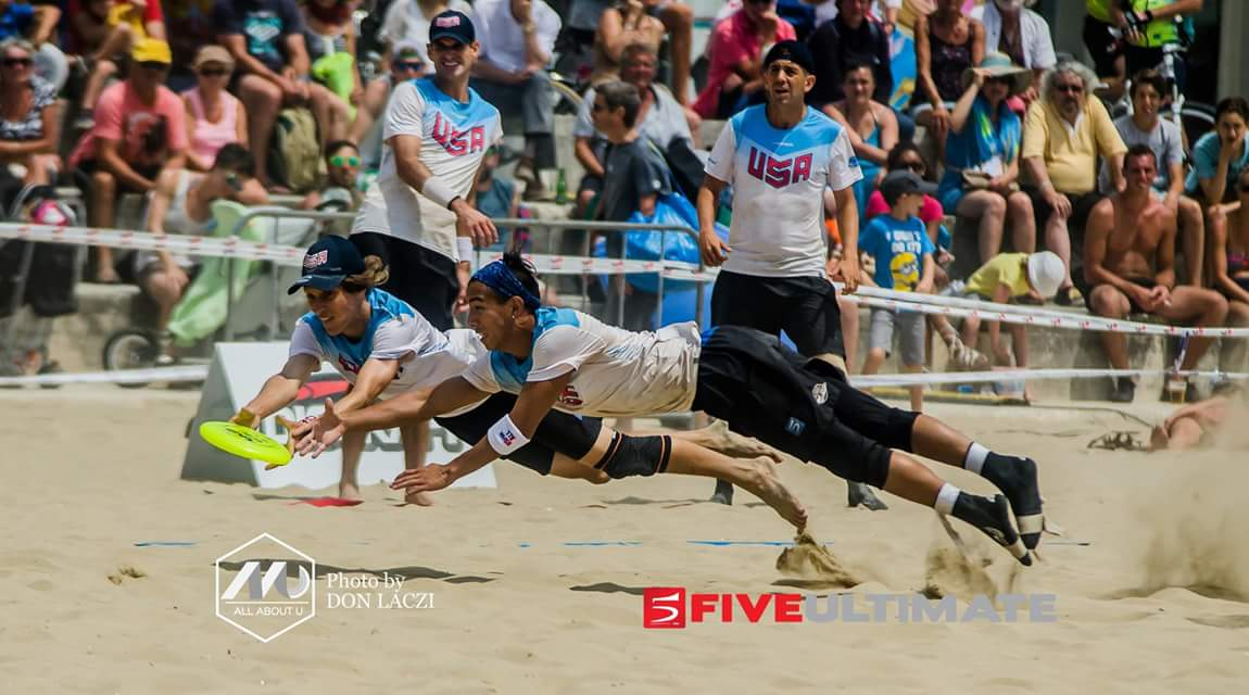 Team USA, Brett Matzuka going for the bid during the #WCBU2017 Men&#039;s Final.  #AllAboutU #TeamUSA @FiveUltimateLLC https://t.co/J93PSVFN6e <a href='https://twitter.com/PUImages/status/880544908330778624/photo/1' target='_blank'>See original &raquo;</a>