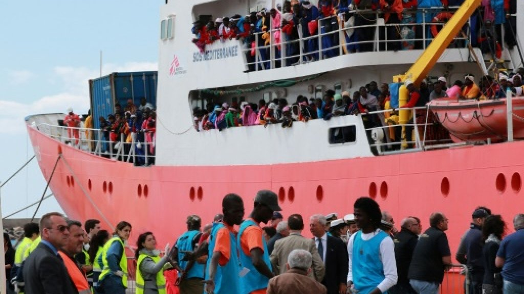 Italy urges other EU ports to welcome migrants