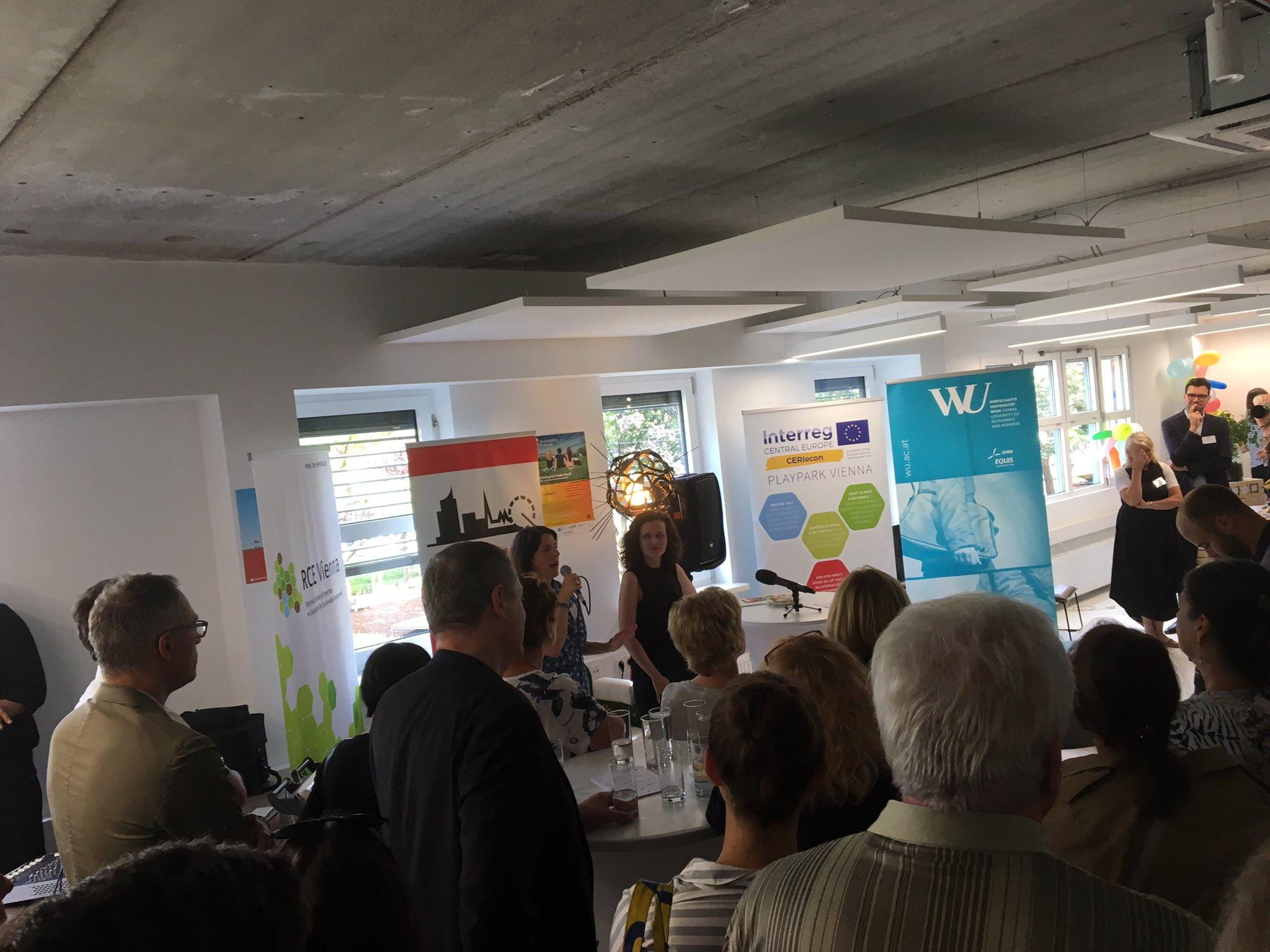 """Eröffnung des neuen InnovationHub in der """"leiwanden, normalen und inspirierten Brigittenau"""" - dem #Playpark @sachsenplatz @TanjaWehsely https://t.co/pAgA7B8W1d"""