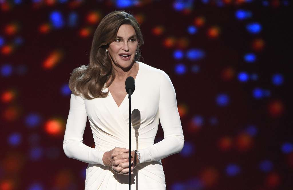 Caitlyn Jenner considering a bid for U.S. Senate in California https://t.co/ylLJHbwYta https://t.co/eCvSLdn7Jw