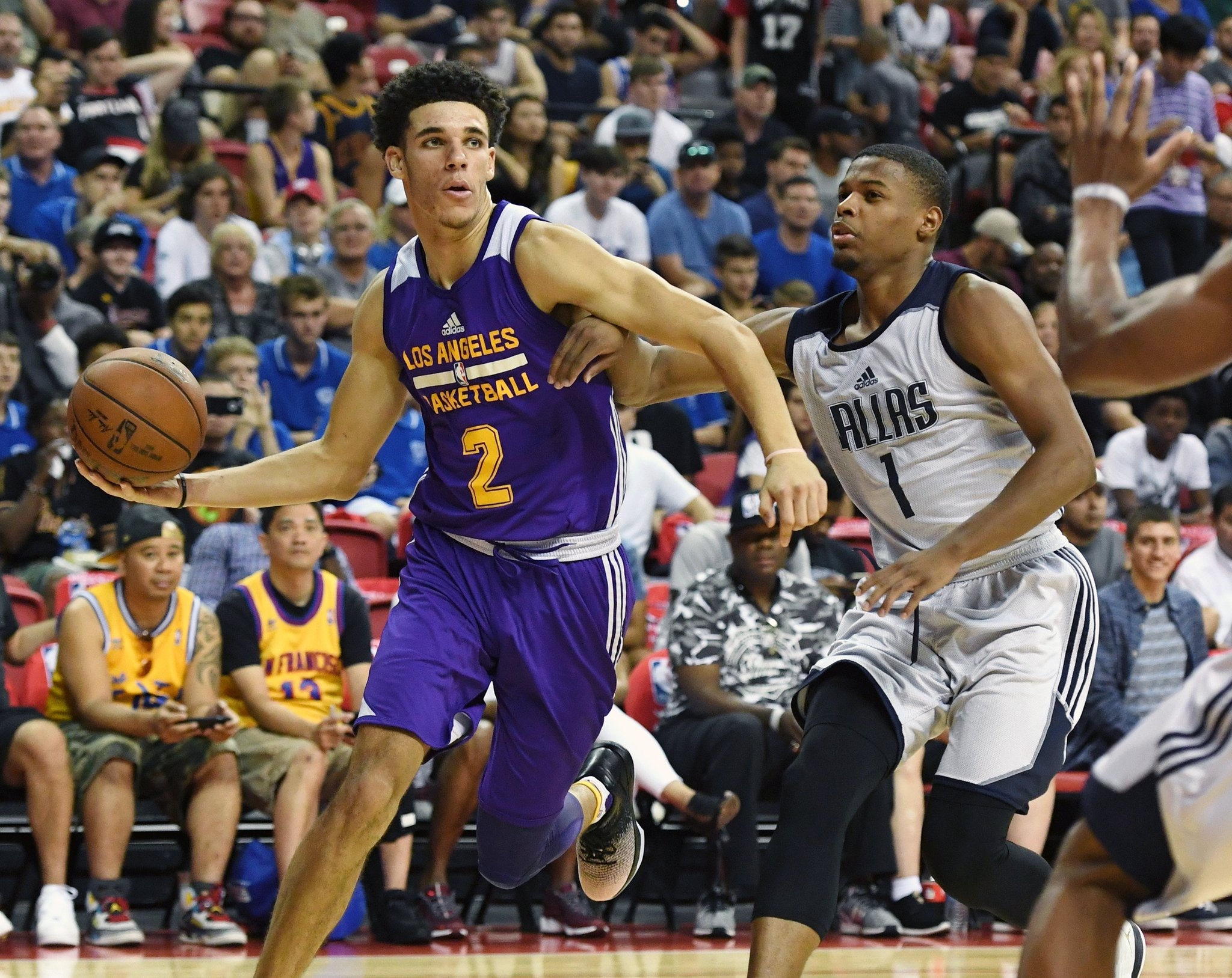 Sunday's #NBASummer Standouts!  (via @langwhitaker): https://t.co/NBM79AFsYF https://t.co/KtTVk2aSfn